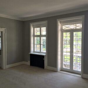 Indendørs maling af vinduer og vægge